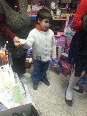 Коледен благотворителен базар - голяма снимка